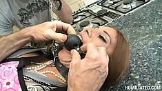 Gorgeous moll Sheila Marie gives her permission to use her holes indecently