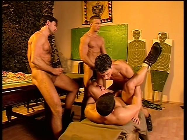 секс с солдатом видео