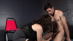 Sultry dominatrix in stockings has a guy on a leash licking her pussy