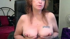 Mature masturbates on webcam breast fem