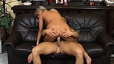 Curvaceous Blonde Broad With Long Hair Gets Fucked On A Couch