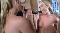 Nubile blonde gets taught how to please her cunt by her stepmother
