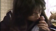 Kinky Japanese teen gets her pussy eaten out and gives a nice blowjob