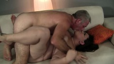Curvy brunette Bella Bendz loves to get her snatch licked and fucked