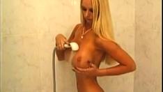 Big tit norske Blond